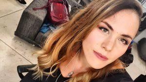 Natalia Duco compartió foto luciendo su embarazo y lanzando la bala junto a potente mensaje
