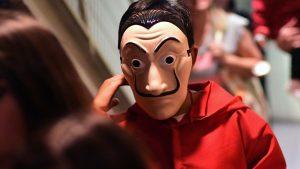 """""""La máscara no reemplaza el uso de mascarilla"""": Autoridades sanitarias reiteraron recomendaciones para celebración de Halloween"""