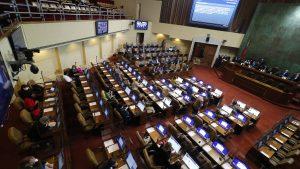 Grupo de parlamentarios ingresó proyecto para repostular a cargos pese a que ya se aprobó el límite a la reelección