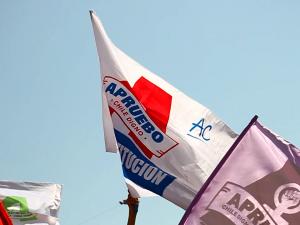 Comandos del Apruebo realizaron diversos cierres de campaña en La Moneda, Valparaíso y Concepción