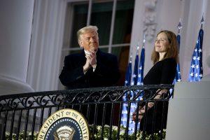 Trump y Republicanos confirman una suprema conservadora al nombrar a Amy Barrett