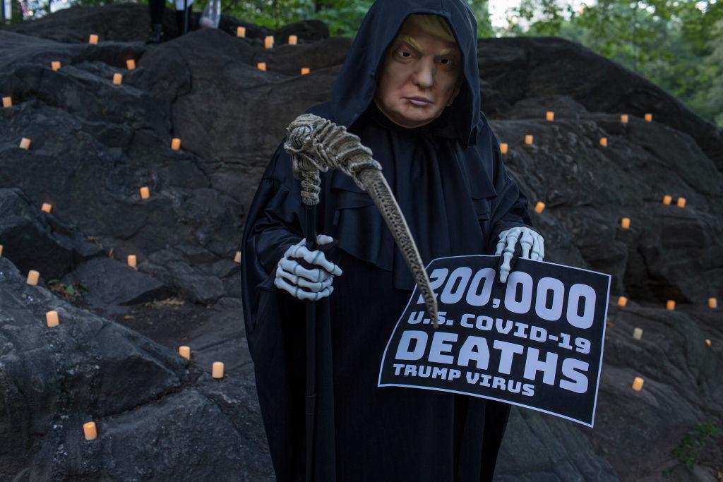 Protesta contra Trump por las muertes del Covid-19 en EEUU