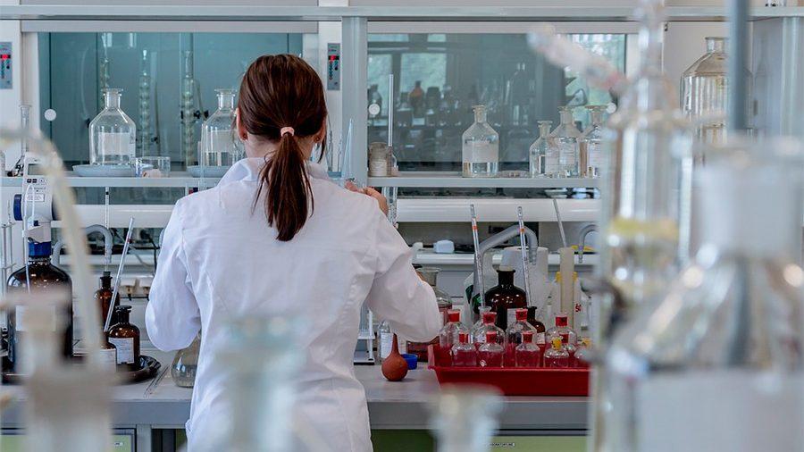 """Vicerrector de la U. de Chile y recorte presupuestario para Ciencia en 2021: """"Uno esperaría que los gobiernos apuesten por el futuro"""""""