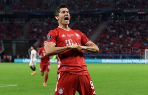 """Robert Lewandowski fue elegido como el """"Jugador del Año"""" de la UEFA"""