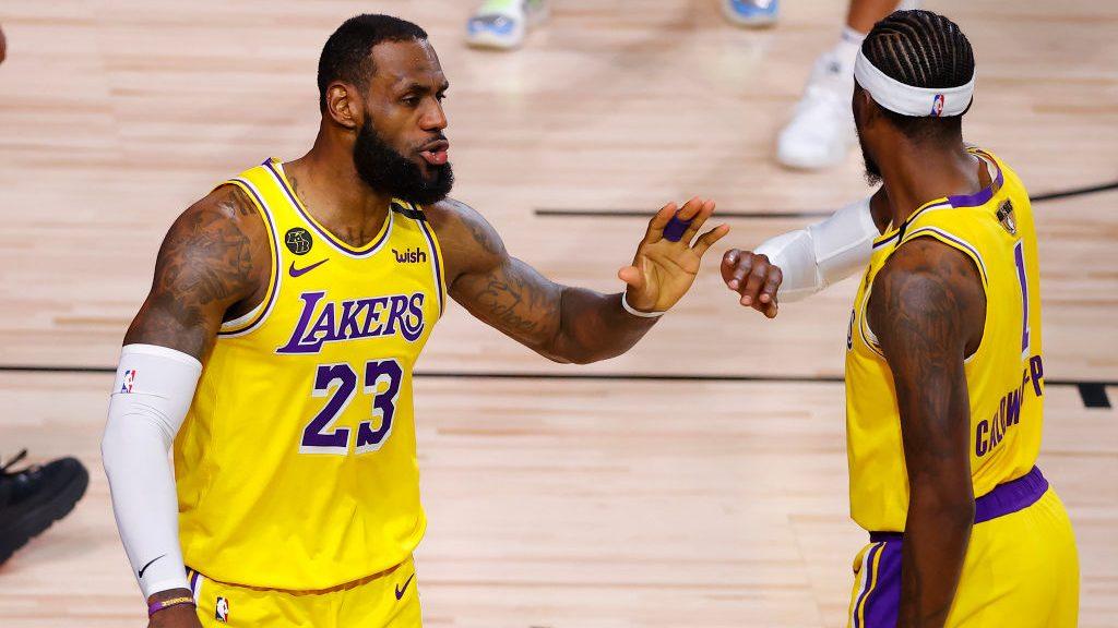Los Angeles Lakers derrotaron a Miami Heat y quedaron a sólo un triunfo del título en la NBA