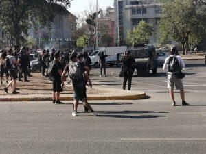 Se registran nuevas manifestaciones en Baquedano marcadas por incidentes e intermitencia en el tránsito