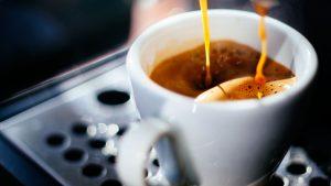 Este jueves se celebra el Día del Café: ¿Cuánto consumen los chilenos?