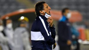 No sigue: Mario Salas es despedido de Alianza Lima tras su sexta derrota consecutiva