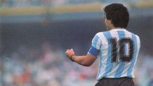 """En """"Letra y Música"""", un especial dedicado a Maradona: """"La música argentina le ha rendido homenaje"""""""