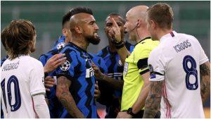 Desde Italia aseguran que Antonio Conte le dio un espaldarazo a Arturo Vidal tras su expulsión ante el Real Madrid