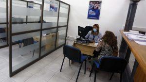 """La Granja inauguró """"banco popular"""" con préstamos sin interés en ayuda de emprendedoras"""