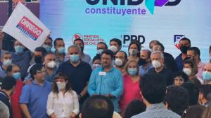 Orrego celebró el triunfo en las Primarias de la RM destacando la participación y acusando poca difusión de las elecciones de parte del gobierno