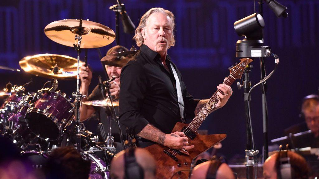 """James Hetfield: """"Estoy aquí como un ejemplo de que la música salva vidas"""""""