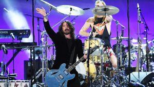 """Foo Fighters tras la salida de Trump: """"Nos complace haber ayudado a despedir a ese payaso"""""""