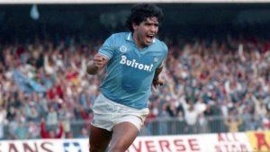 Alcalde de Nápoles anunció que el Estadio San Paolo pasará a llamarse Diego Armando Maradona