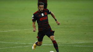 Mauricio Isla volvió a entrenar en Flamengo y podrá jugar revancha de Copa Libertadores