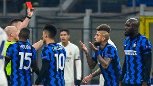 Arturo Vidal se disculpó con sus compañeros del Inter tras su expulsión frente al Real Madrid