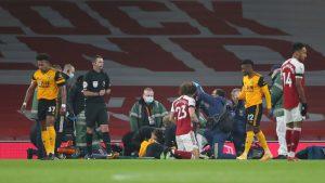 Escalofriante choque en la Premier League: Raúl Jiménez dejó la cancha en camilla