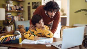 """Psicóloga y agotamiento parental: """"Una de las grandes características que tienen en común tiene que ver con la culpa"""""""