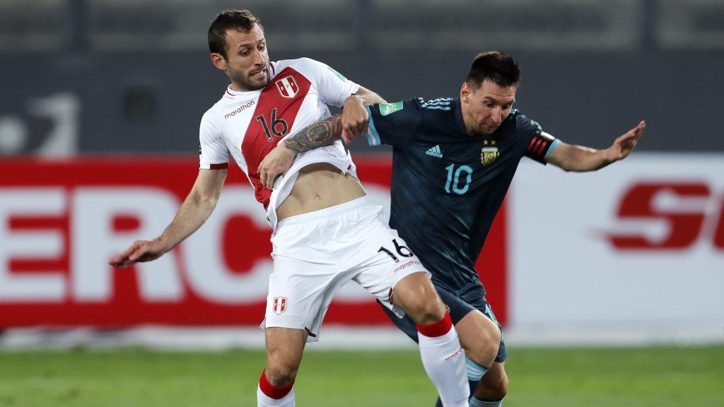 A buen nivel: Revive los goles de Argentina ante Perú como visitante