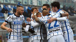 Inter de Milán estiró su ventaja tras autogol del Sassuolo generado por Arturo Vidal