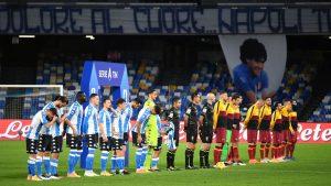 """""""Grazie, Diego"""": Pese al estadio vacío por la pandemia, el Napoli y sus hinchas rindieron homenaje a Maradona"""