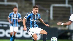 César Pinares volvió a debutar en Copa Libertadores tras ingresar en triunfo de Gremio
