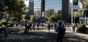 Cierran dos estaciones de Metro debido a incidentes en el centro de Santiago