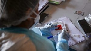 Coronavirus: OMS informó que Chile se encuentra entre los cuatro países con más muertes por millón de habitantes