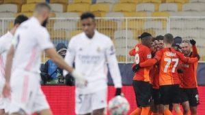 Real Madrid sufre dura caída en Champions League e ilusiona al Inter de Milán con los octavos de final