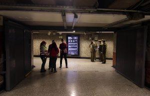 Decretan prisión preventiva para hombre que portaba ácido en el Metro de Santiago