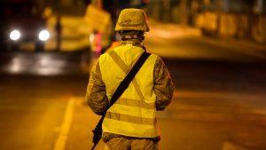 Quilicura: Tanqueta del Ejército chocó a vehículo civil que escapaba de personal municipal para detenerlo