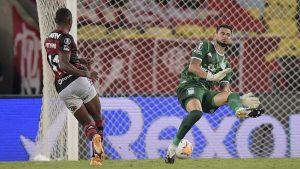 Héroe y figura: Así fueron las mejores tapadas de Gabriel Arias luego de que Racing eliminara a Flamengo