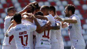 Martín Palermo tuvo un sólido debut en la banca de Curicó Unido tras golear a Audax Italiano
