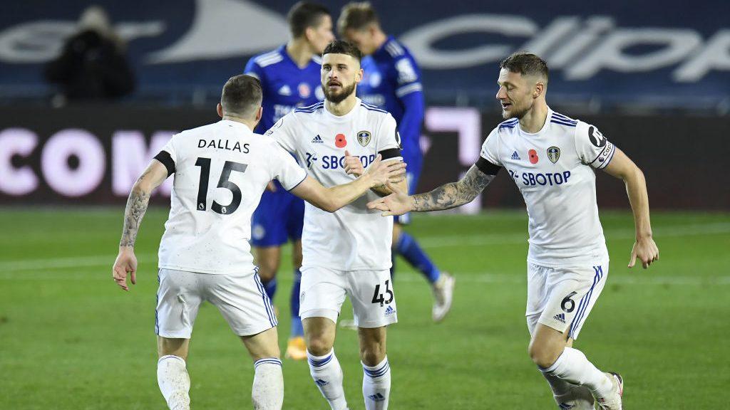 Leeds de Marcelo Bielsa buscará dejar atrás la irregularidad visitando al Chelsea por Premier League