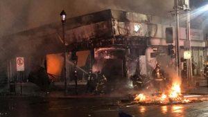 Único inculpado por incendio que destruyó oficinas de AFP estará bajo libertad vigilada durante cinco años