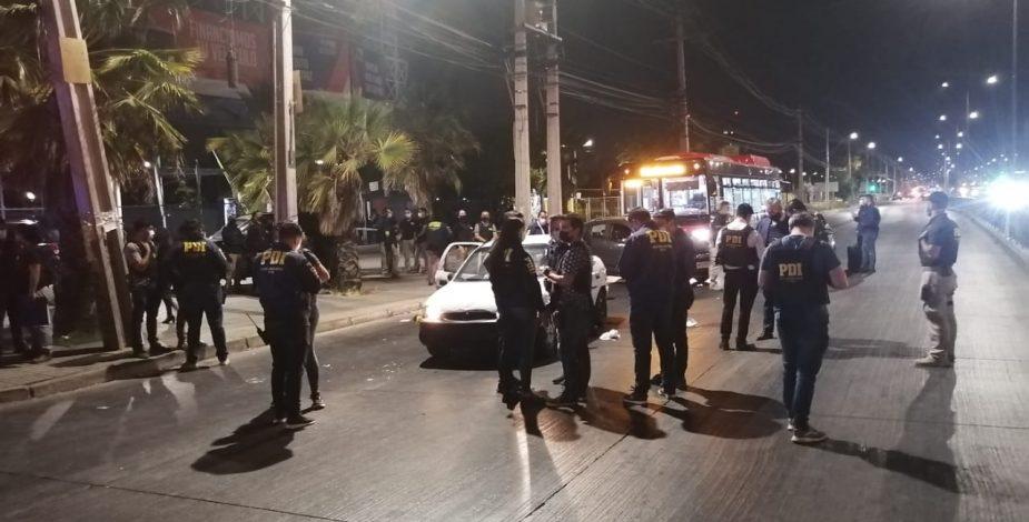 Dos fallecidos deja tiroteo entre delincuentes y la PDI en Cerrillos