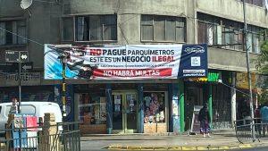 """Alcalde de Recoleta llamó a usuarios a """"no pagar"""" el cobro de parquímetros en el sector de Patronato"""