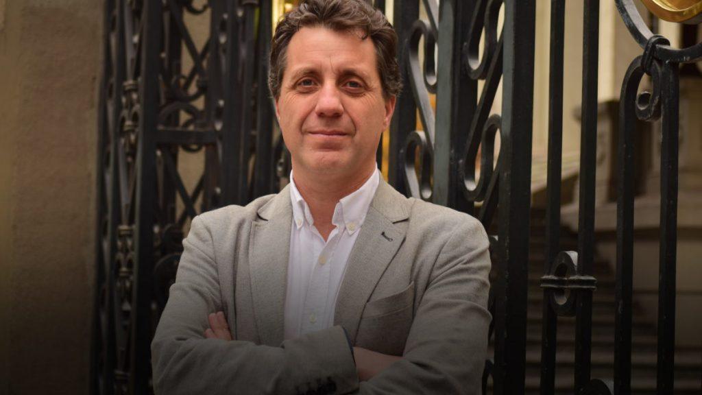 Entrelíneas conversa con Mauricio Weibel sobre su más reciente libro