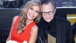 Estuvo casado siete veces con seis mujeres diferentes: así fue la vida del famoso presentador Larry King