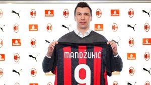 Se refuerza el líder italiano: AC Milan oficializó la contratación del delantero Mario Mandzukic