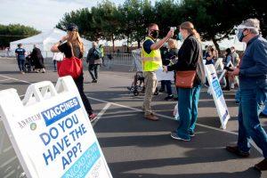 Disneyland abrió sus puertas como centro de vacunación contra el coronavirus