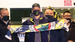 Se despidió de Londres: Fenerbahçe hizo oficial el arribo del alemán Mesut Özil