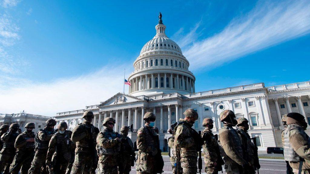 Incendio menor en las inmediaciones del Capitolio desató operativo de emergencia