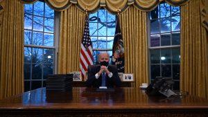 Cambios de forma y fondo: Todo lo que quedó en evidencia con la redecoración del Salón Oval tras la llegada de Joe Biden a la presidencia de EE.UU.