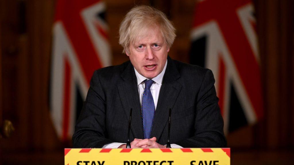 """La OMS refutó sus dichos: Boris Johnson aseguró que la variante británica del coronavirus es """"más mortal"""""""