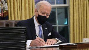 Presidente Biden firmó decretos para detener la construcción del muro con México y reincorporar a EEUU al Acuerdo de París