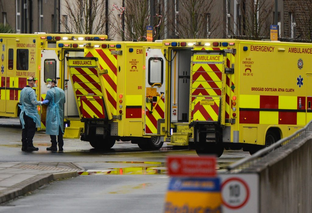 Irlanda cerca del bloqueo contra el Covid-19 por otras seis semanas