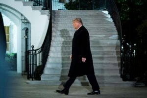 Donald Trump alistó serie de indultos para último día: incluye delincuentes financieros
