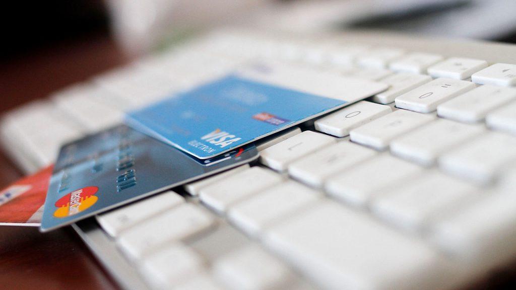 Ventas online subieron un 60% gracias al comercio electrónico y cayeron las transacciones en cajeros automáticos